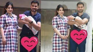 Saif's sister Soha Ali Khan returns back from hospital with new born girl Inaaya Kemmu 😍 |Latest width=