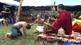 getlinkyoutube.com-ครอบเศียรครูที่ตำหนักปู่ฤาษีนารอท ซอยพระเนียง ภูเก็ตโดยลูกศิษย์ขอให้พระอาจารย์เอก อชิโต ครอบให้ (1)