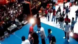 getlinkyoutube.com-Alia Bhatt & Varun Dhawan At Korum Mall.
