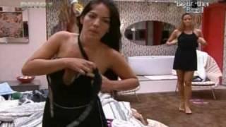 getlinkyoutube.com-Ops! Anamara mostra o seio - Big Brother Brasil 10