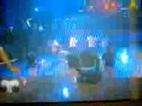 Bailarinas de pasion 11/12/2010 meneando la cola con pollera cortita