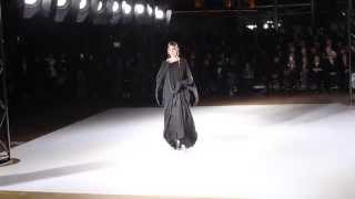 getlinkyoutube.com-Yohji Yamamoto F/W 2015 | Daria Shapovalova at Paris Fashion Week