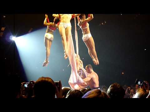 Pink - Glitter In The Air- Live at The O2 London - Funhouse