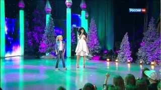 getlinkyoutube.com-Настя Петрик и Niloo - Ola Ola Рождественская песенка года 2012