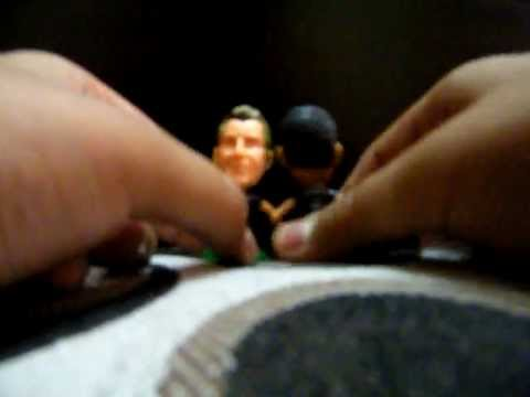 Opening a set of 3 - Cricket Star (Mini Figures)