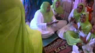 getlinkyoutube.com-Ladies Menzuma ( Zikr )  at the brides house -   Ethiopian Muslim  Wedding