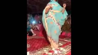 getlinkyoutube.com-فتاة ترقص علي موسيقي موريتانية