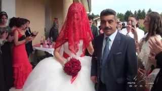 """getlinkyoutube.com-E & D Gelinin ailesiyle vedalaşma anı  """"Müzik : Seyhan GÜLER (Özledim Seni)"""""""