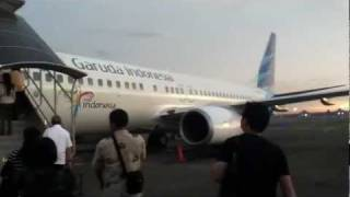 getlinkyoutube.com-Boarding Garuda Indonesia Boeing 738 NG
