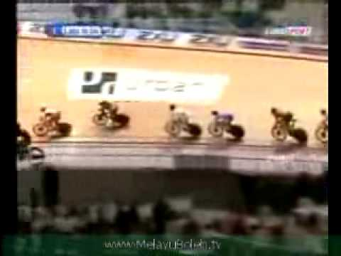 Azizul Hasni Bukti Melayu Boleh Jadi Juara Dunia