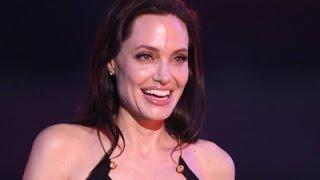 Jolie, Depardieu, Damon: ShowBiz Minute