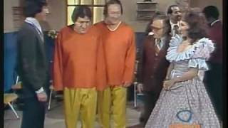 getlinkyoutube.com-Los Hermanos Lelos en El Show de los Polivoces 2/2