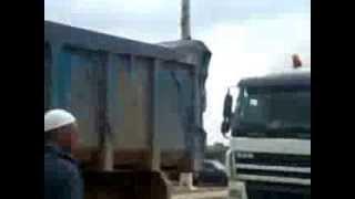 getlinkyoutube.com-skhirat saba7 sou9 had ايقاف حشد كبير من الشاحنات
