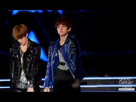 120908 Kpop Nature+ Concert - Mama Baekhyun fancam