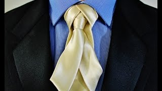 getlinkyoutube.com-How To Tie a Tie -  V-Trix knot