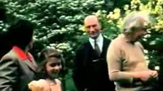 getlinkyoutube.com-آلبرت آينشتاين: فيديو نادر جداً وملون .