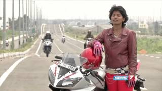getlinkyoutube.com-Chennai girls make forays into bike stunts and racing