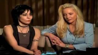 getlinkyoutube.com-Joan Jett - Talks THE RUNAWAYS !