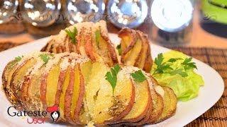 Reteta de Cartofi la cuptor cu Usturoi si Parmezan