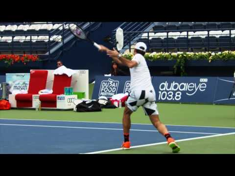 Roger Federer trains with Dustin Brown - Dubai 2017