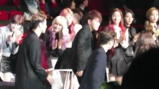 getlinkyoutube.com-【FANCAM】 iKON - Best New Male Artist Award Speech @MAMA 2015 IN Hong Kong