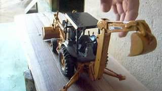 Miniatura Retroescavadeira - Case