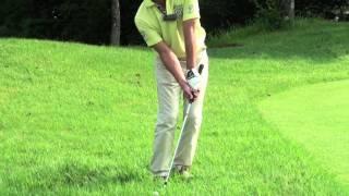 getlinkyoutube.com-ゴルフ グリーン周りの逆目のラフからのアプローチ - 今井純太郎