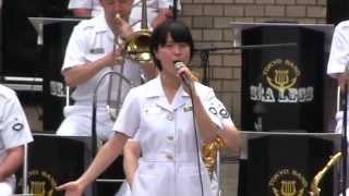 getlinkyoutube.com-自衛隊の歌姫 三宅由佳莉 「Let it go」 を歌う 【2014.9.10】 Japan Maritime Self-Defense Force Musicians playing.