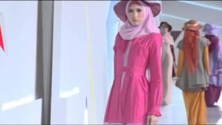 getlinkyoutube.com-Indonesia Fashion Week 2015  Hazna Hijab