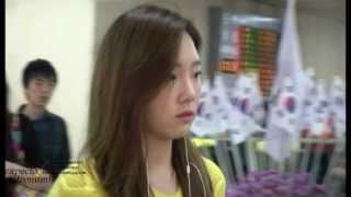 getlinkyoutube.com-SNSD Taeyeon - Look Taengoo @ Gimpo Airport