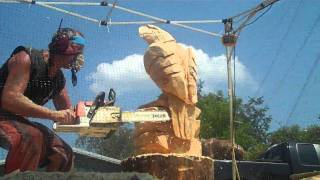 getlinkyoutube.com-Eagle Chainsaw Carving
