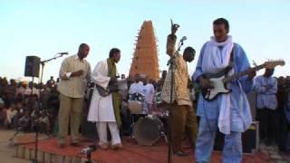 getlinkyoutube.com-Bombino Concert, Agadez