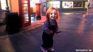 getlinkyoutube.com-[HD] Chucky Roaming the Street - Chucky Scare Zone - Halloween Horror Night