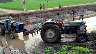 getlinkyoutube.com-Tractor Pulling through canal mud in Punjab