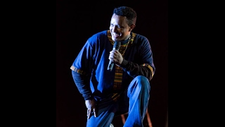 getlinkyoutube.com-Teddy Afro ThrowBack - Addis Ababa Stadium live