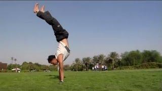 getlinkyoutube.com-تعلم اقوي تمارين تجعلك تقف علي يدك لوقت طويل بدون سقوط مع نسر الكونغ فو  hand stand tutorial