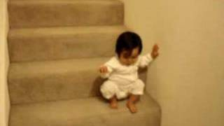 getlinkyoutube.com-15 months old Eva going down the stairs