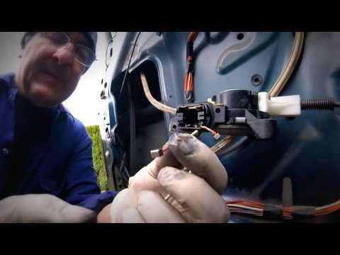 Как заменить щетки электро моторчика бокового стекла Chrysler Dodge