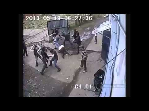 Street fighting caught on CCTV