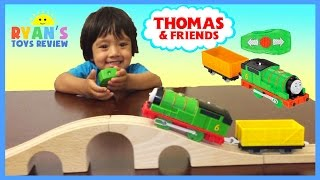 getlinkyoutube.com-THOMAS AND FRIENDS REMOTE CONTROL PERCY TRACKMASTER Toy Trains for Kids Ryan ToysReview