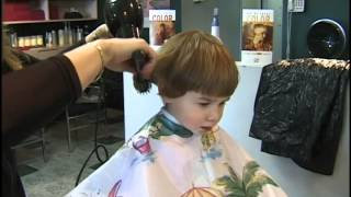 getlinkyoutube.com-Sirena Gets A Haircut