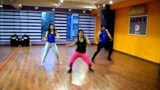 getlinkyoutube.com-Chittiyaan Kalaiyaan, Zumba Choreogrpahy by Nicy Joseph, 8 COUNTS