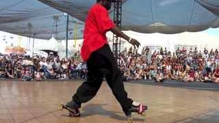 getlinkyoutube.com-Amazing Roller Skater Pulls Off an Incredible Performance