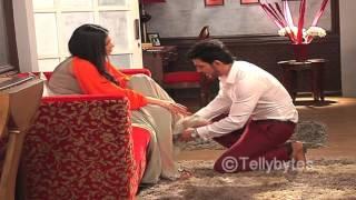 getlinkyoutube.com-Shivanya and Ritik's romance in Naagin