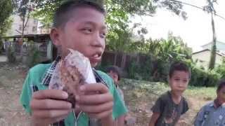ヤンゴンの貧しいがたくましい子供達