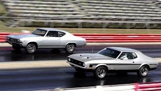 getlinkyoutube.com-Chevelle SS396 vs Mustang 429 SCJ - 1/4 Mile Drag Race Video - Road Test TV
