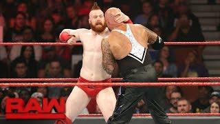 getlinkyoutube.com-Cesaro & Sheamus vs. Luke Gallows & Karl Anderson: Raw, Dec. 5, 2016
