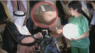 getlinkyoutube.com-الطفل الذي أبهج الملك عبدالله بن عبدالعزيز في  ملعب الجوهرة المشعة