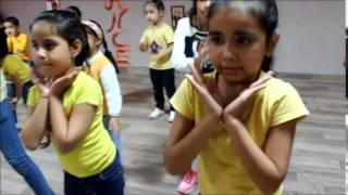 getlinkyoutube.com-Abhi Toh Party Shuru Hui Hai Kids Dance Choreography by The Dance Mafia Mohali