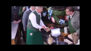 O` zapft is! OB Dieter Reiter eröffnet die Wiesn 2014 (Video: Gerd Bruckner)